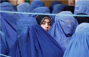 طالبان خانه به خانه به دنبال دختر بچههای دوازده ساله!