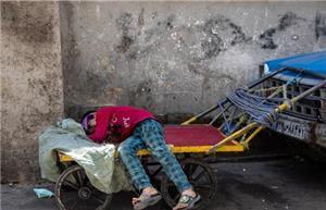به ازای میلیاردر شدنِ هر فرد، احتمالا ۱۰۰ هزار ایرانی فقیر شدهاند